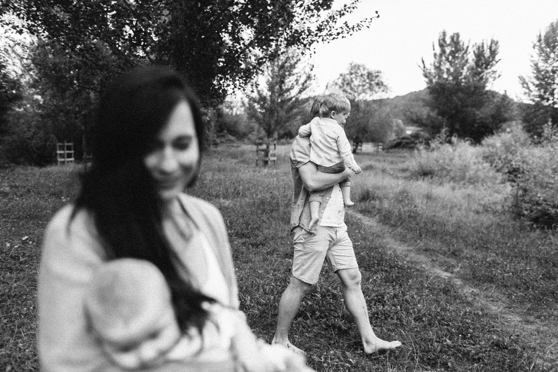 abenteuerliche-familien-fotos-fotografie-limmatspitz-gebenstorf-brugg-egjm_021